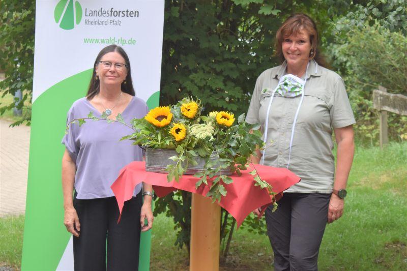 Ministerin Höfken machte sich Bild vom  Waldzustand im Westerwaldkreis