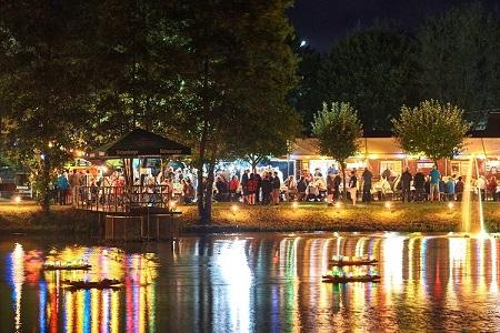 Hanwerther Hafenfest lockt mit Meer aus bunten Lichtern und romantischem Feuerschein