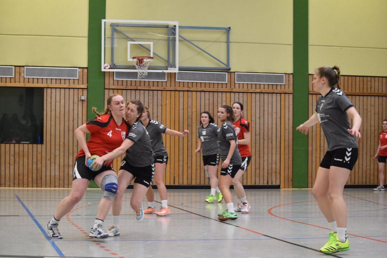 Bezirksliga Frauen: VfL Hamm gewinnt mit 30:28 gegen TuS Weibern