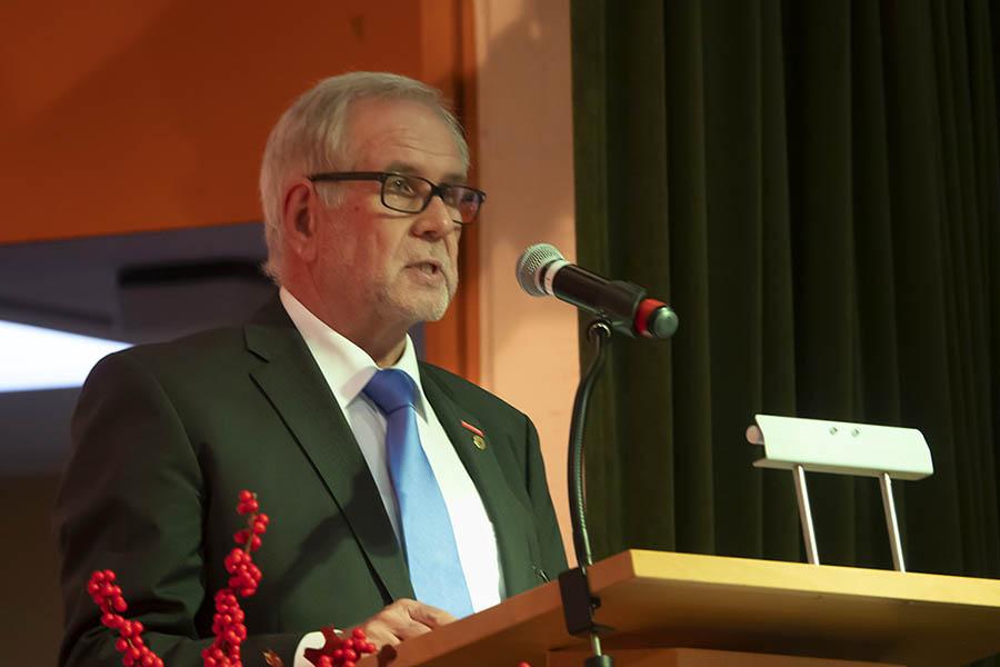 Der Vorsitzende Kreishandwerkermeister Rudolf Röser begrüßt. Fotos: Wolfgang Tischler