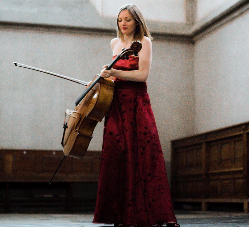 Cellistin Hanneke Rouw gastiert im Kultur-Foyer