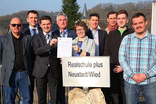 20. Schulpatenschaft im Kreis Neuwied besiegelt