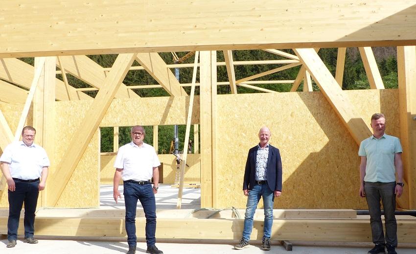"""""""Alte Hütte"""" Herdorf: Landrat informiert sich über Großprojekt"""