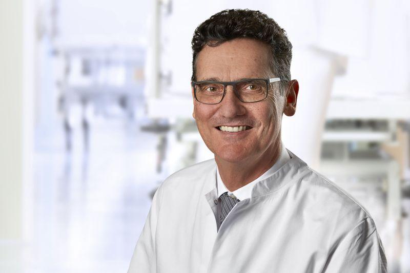 Dr. Heuschen. Fotos: Krankenhausgesellschaft St. Vincenz mbH