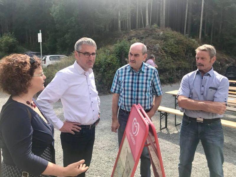Zuschuss für Sanierung auf Jugendcampingplatz in Heuzert