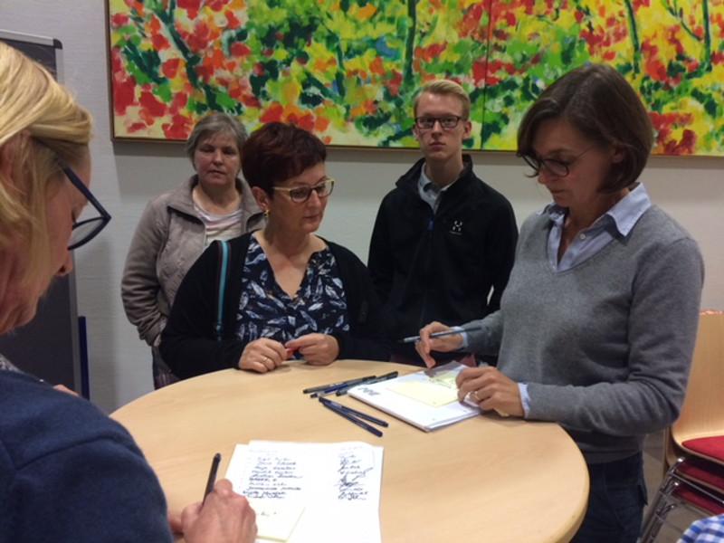 B�rger von Horhausen diskutieren �ber Stra�enverkehrsprobleme
