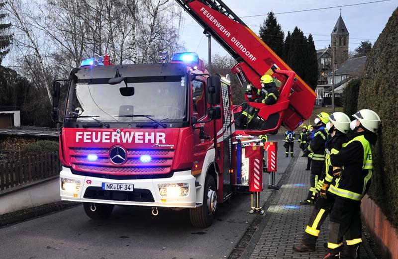 Kaminbrand in Horhausen sorgte für kreisübergreifenden Feuerwehreinsatz