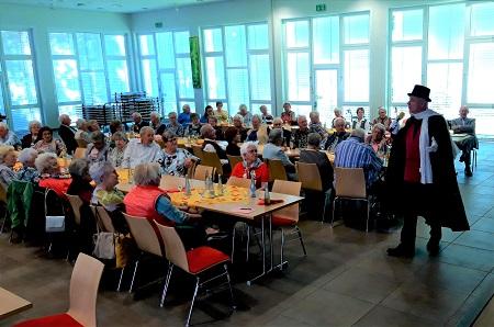 Entertainer Hugo Cheval begeisterte Horhauser Senioren