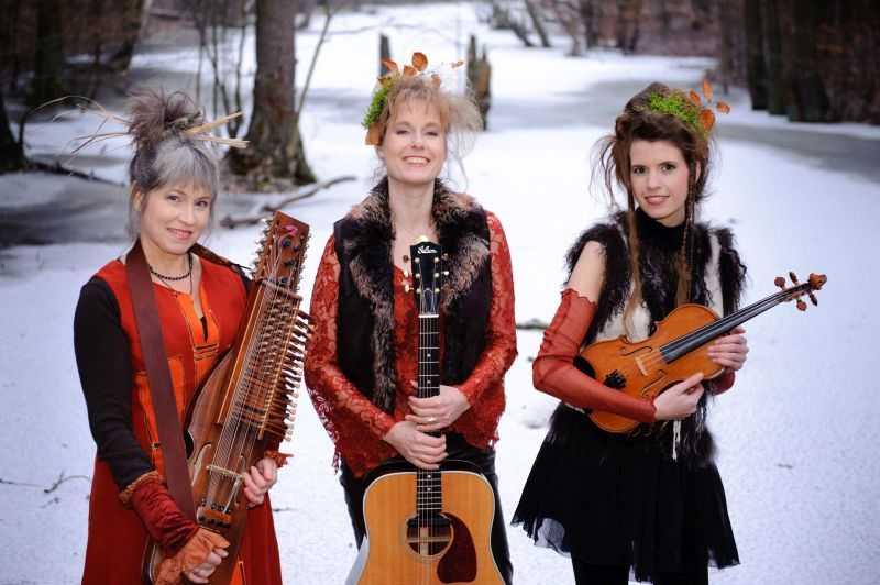 """Musik in alten Dorfkirchen mit """"Huldrelokkk"""" in Höhr-Grenzhausen"""
