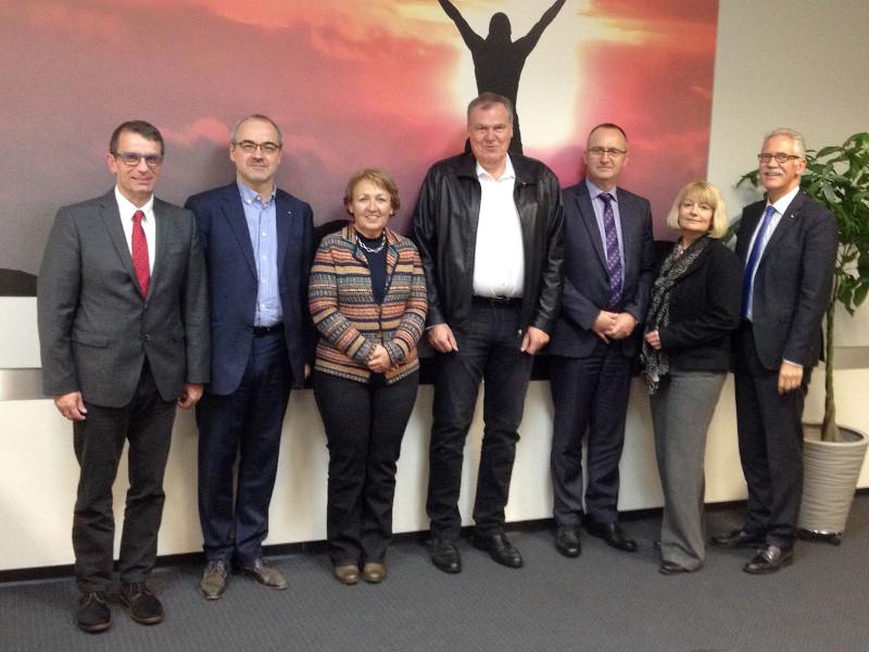 IHK-Akademie: Uwe Reifenhäuser als Vorsitzender wiedergewählt