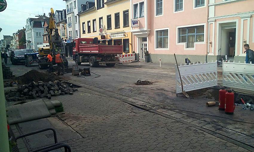 Wasserrohrbruch in Marktstraße - Einsatz SWN und Feuerwehr
