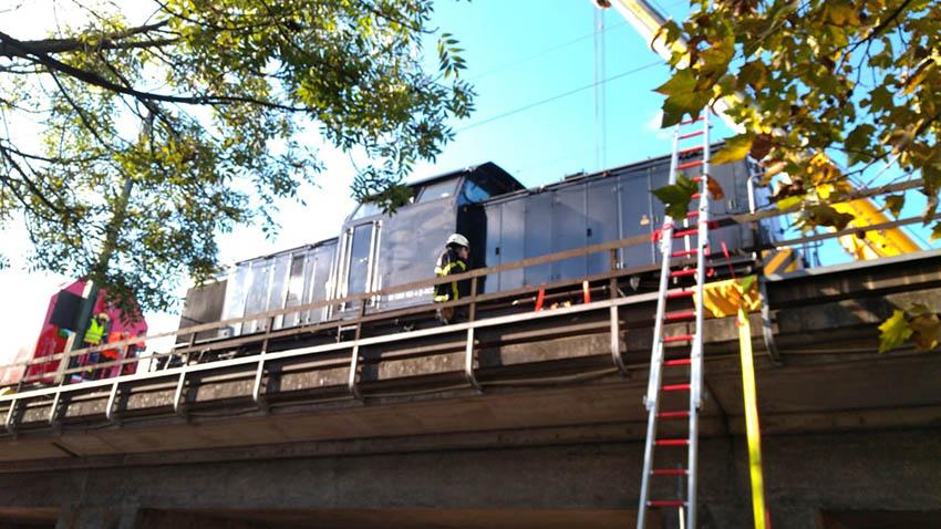 Lok bei Gleisbauarbeiten in Linz entgleist