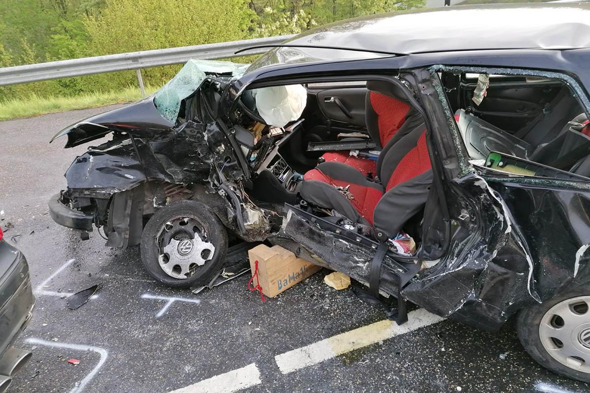 Schwerer Unfall auf L 281 - Eine Tote und ein Schwerverletzter