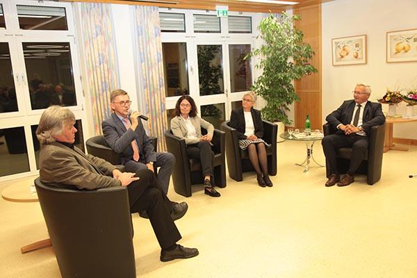 Marienhaus Klinikum weiht Mahnmal ein
