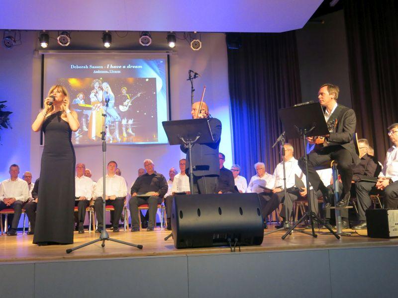Weltstar Deborah Sasson sang in Wirges