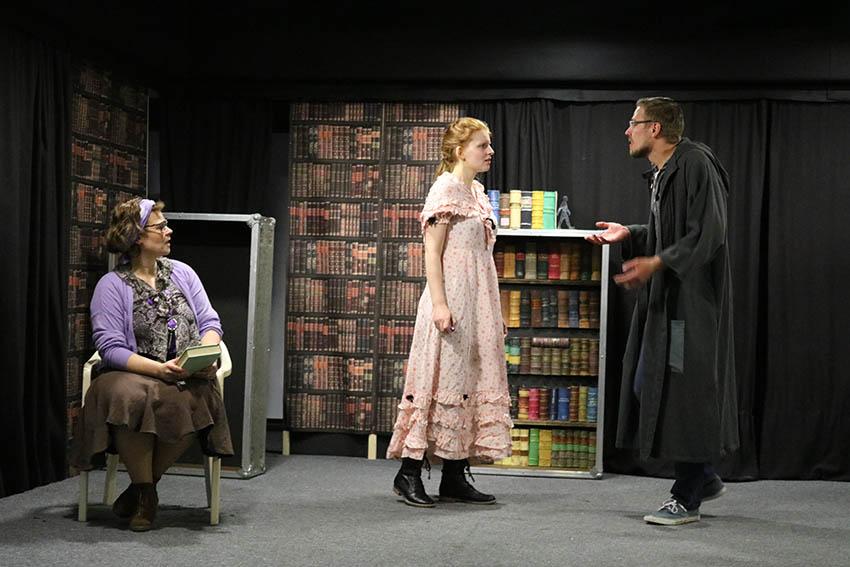 """Theatergruppe """"Fabula"""" bringt """"Tintenherz"""" auf die Bühne"""