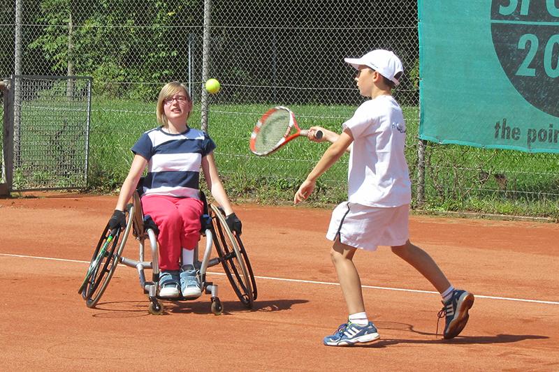 Ferienangebot für Kinder- und jugendliche Rollstuhlfahrer