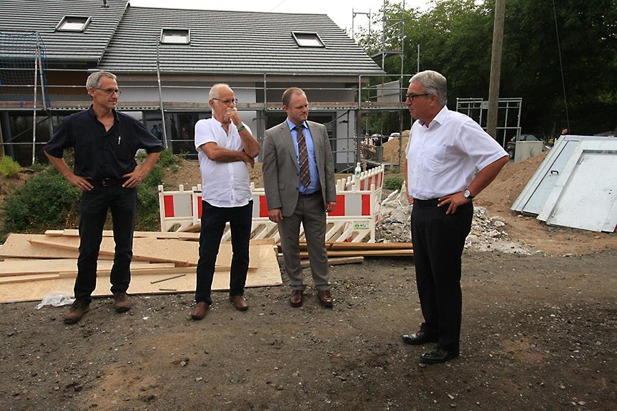 """Minister besuchte Projekt """"La Compostella"""" in Neuwied"""