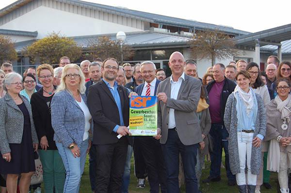 Kreisverwaltung präsentiert sich bei Gewerbeschau in Windhagen