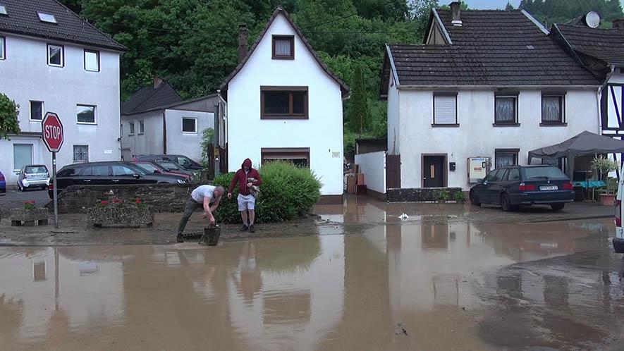 Heftiges Gewitter über Isenburg - Feuerwehren im Einsatz