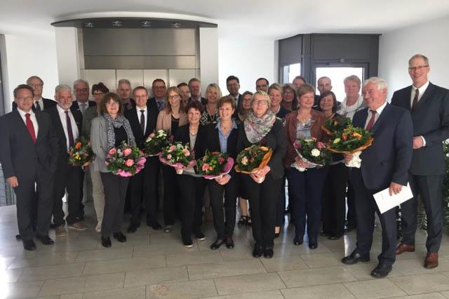 Westerwald Bank ehrt und verabschiedet langjährige Mitarbeiter