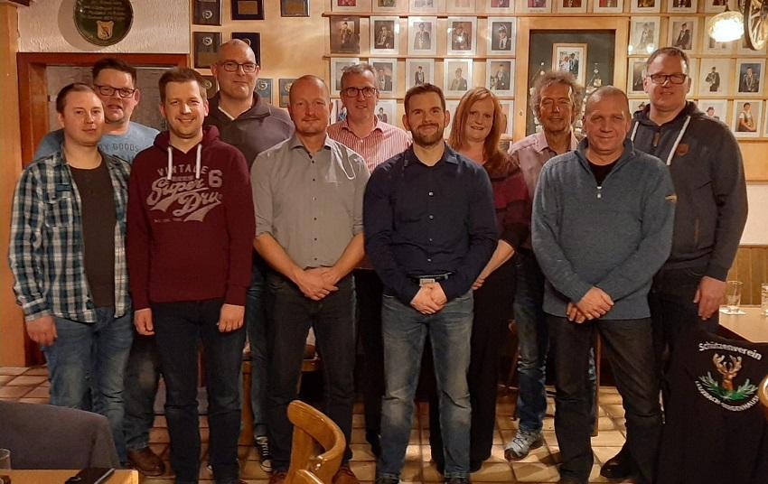 Von links nach rechts: Eduard Unruh, Torsten Klein, Alexander Weßler, Carsten Dünner, Guido Böing, Dirk Euteneuer, Matthias Theis, Marina Richter, Achim John, Frank Richter, Jürgen Schneider (Foto: SV Leuzbach-Bergenhausen)