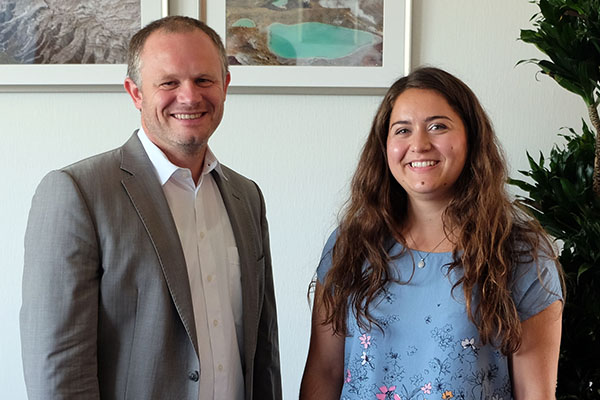 OB Jan Einig begrüßt neue Citymanagerin im Rathaus