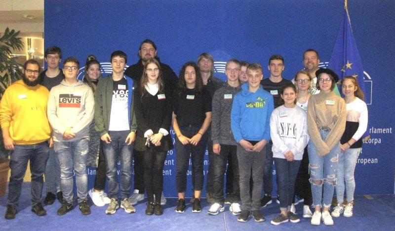 Demokratie hautnah erleben mit dem Jugendzentrum Hachenburg
