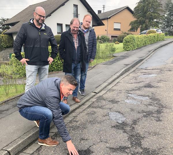 """""""Eine Zumutung"""": SPD-Politiker nahmen K 100 in Augenschein"""