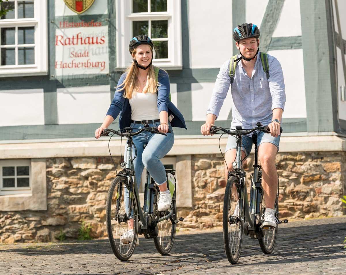 """Sicher mit dem Rad unterwegs, dank der neuen """"RADar!-App"""". (Foto: VG Hachenburg)"""