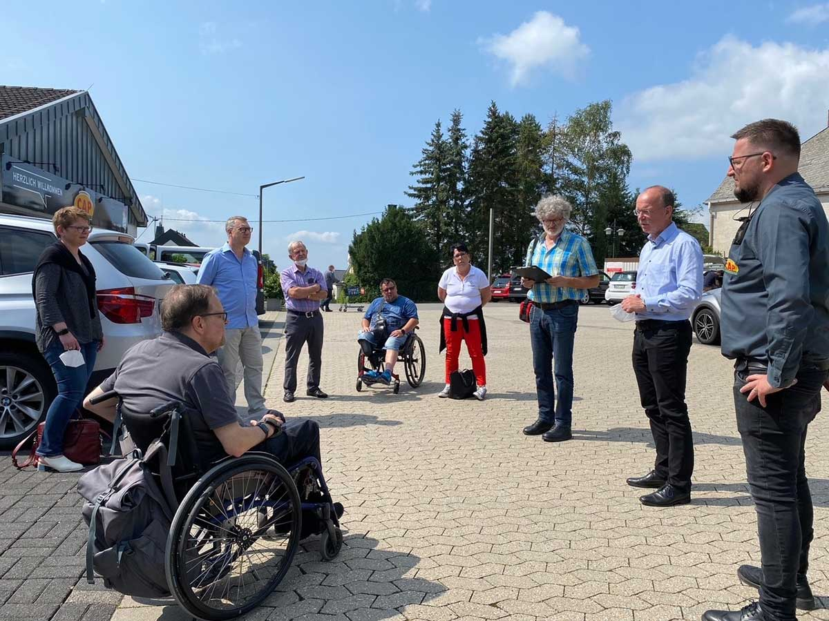 Landesbehindertenbeauftragter Matthias Rösch besucht den CAP-Markt