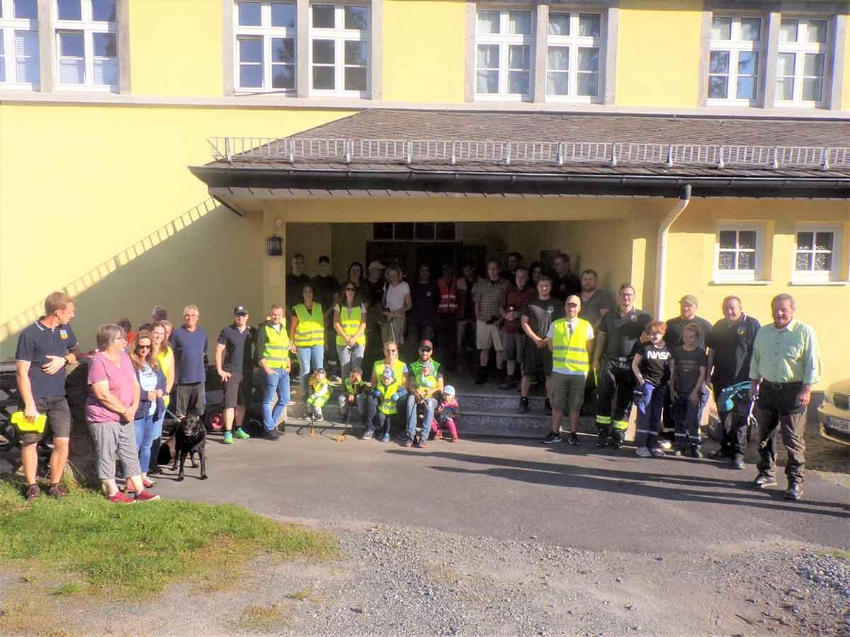 """Aktion """"Saubere Landschaft"""": erfolgreicher Startschuss in Freirachdorf"""