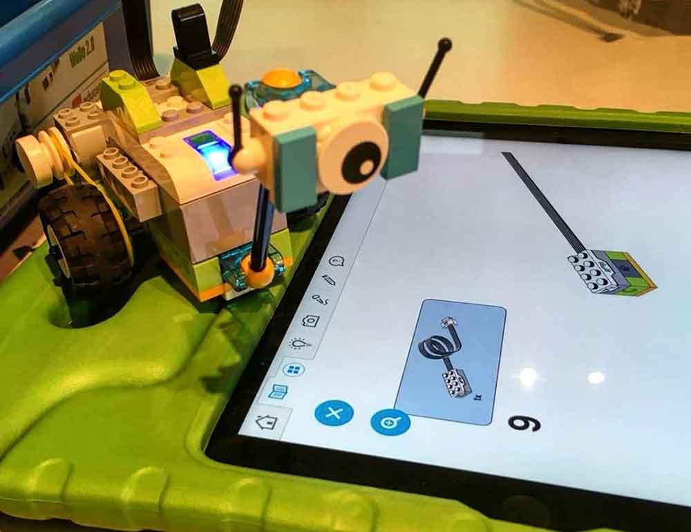 """Jugend- und Kulturzentrum """"Zweite Heimat"""": Lego Leben einhauchen mit Apps"""