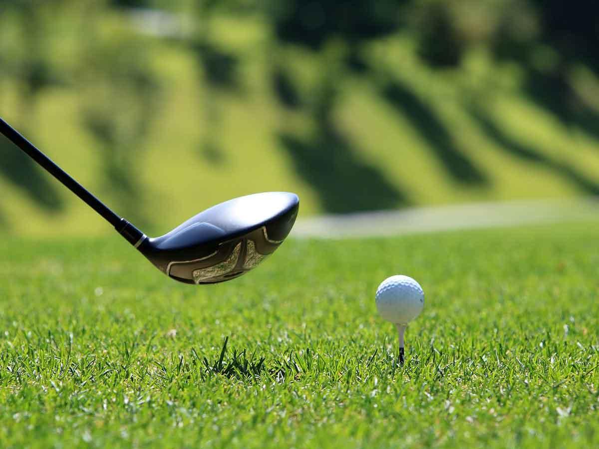 Pink Ribbon Damentag-Serie: Golferinnen spielen für Brustkrebs-Früherkennung