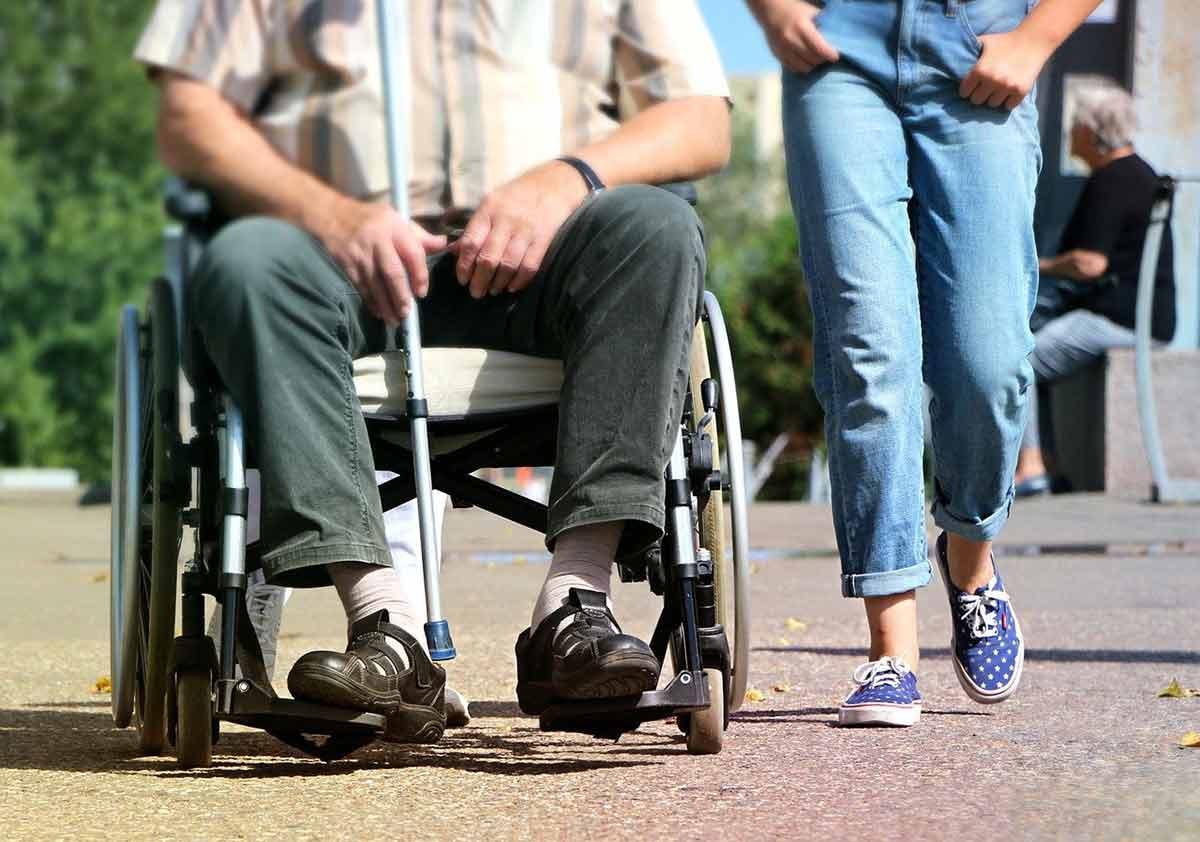 Barrierefreie Wanderwege: Tipps für Ausflüge mit Rollstuhl im Westerwald