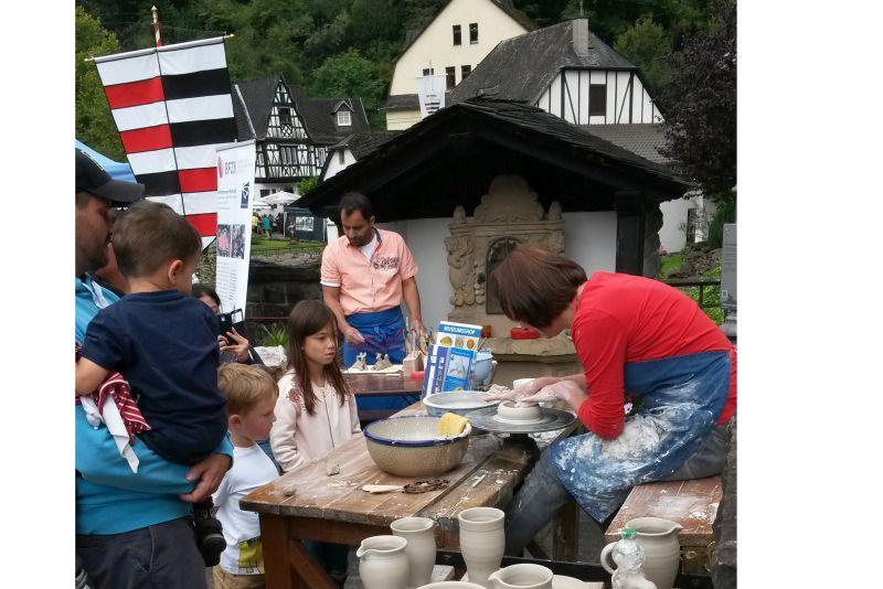 Handwerkermarkt mit Westerwälder Bierfest in Grenzau