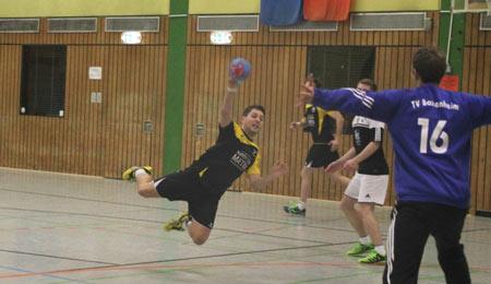 Handballer des SSV95 Wissen m�ssen Heimniederlage einstecken