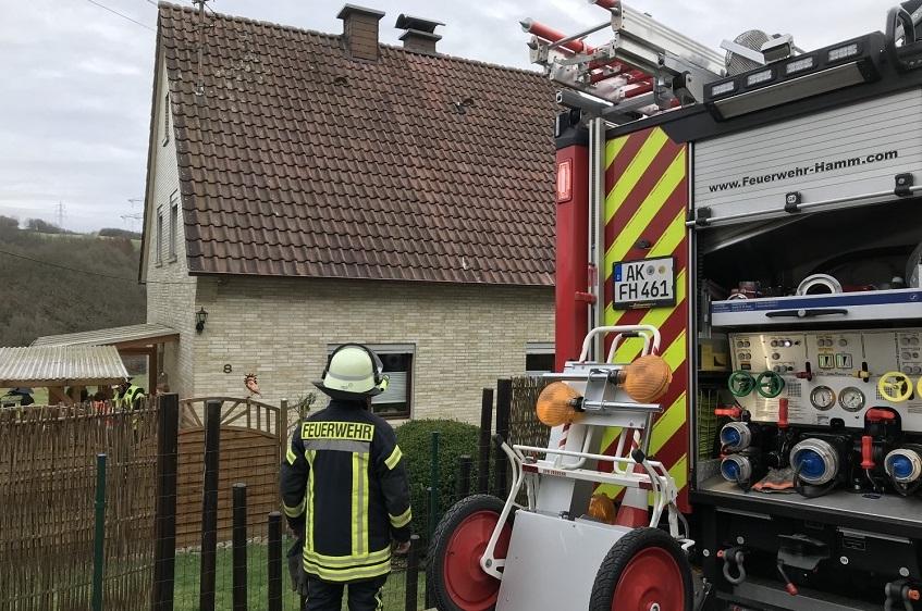 Viel Arbeit f�r Feuerwehr Hamm durch Kaminbrand und �Sabine�
