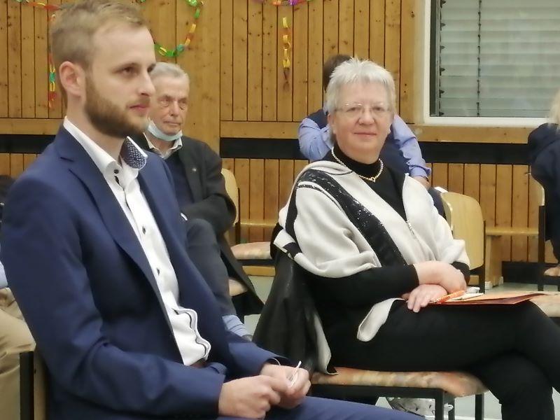 CDU-Nominierung: Dr. Matthias Reuber klar vor Jessica Weller