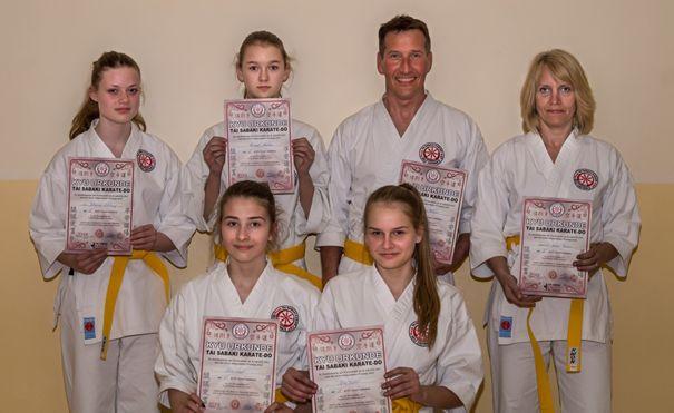 Kampfkünstler wurden zur Karate-Prüfung eingeladen