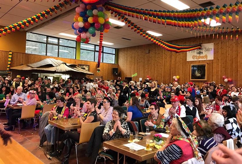 Viele kamen zum karnevalistischen Fr�hschoppen in Etzbach
