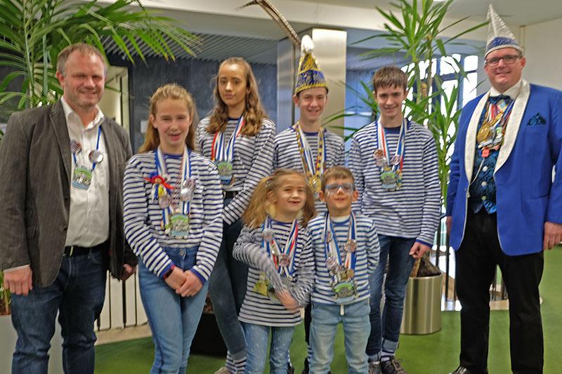 OB Jan Einig empfängt Kinderprinzenpaar aus Heimbach-Weis