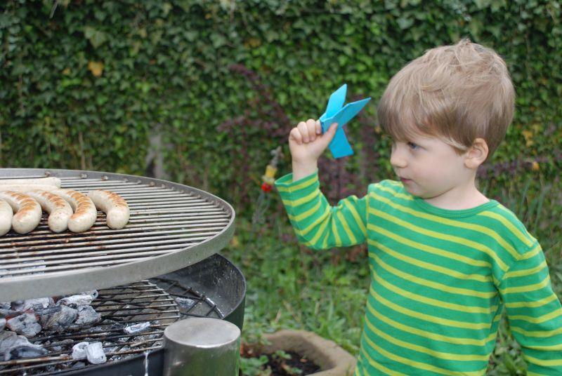 Grillspaß ohne Risiko – auf Kinder achten