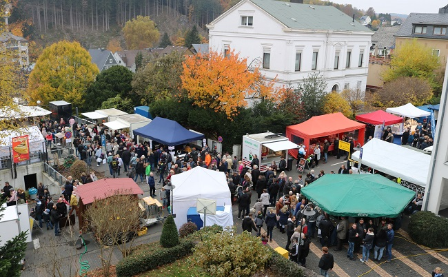 Kirchen l�dt zum 16. Stadtfest mit Martinsmarkt