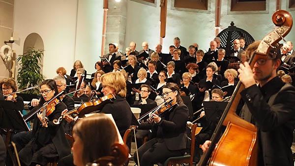 Kirchenchor Waldbreitbach entfachte musikalisches Leuchtfeuer