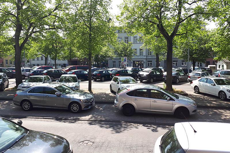 Blick auf den Marktplatz von dem Vorplatz der Kirche. Foto: privat