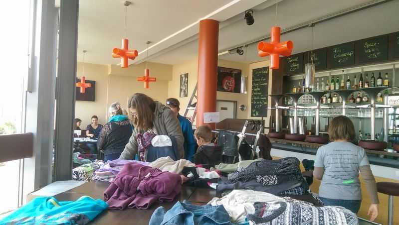 Greenpeace Westerwald lädt zur siebten Kleidertauschparty