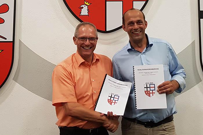 Koalitionsvertrag der CDU und FDP in Asbach steht