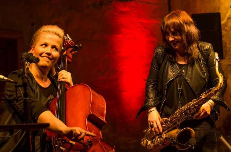 """""""Lulo Reinhardt Accoustic Lounge feat. Annette Kreuz und Carolin Hild"""""""