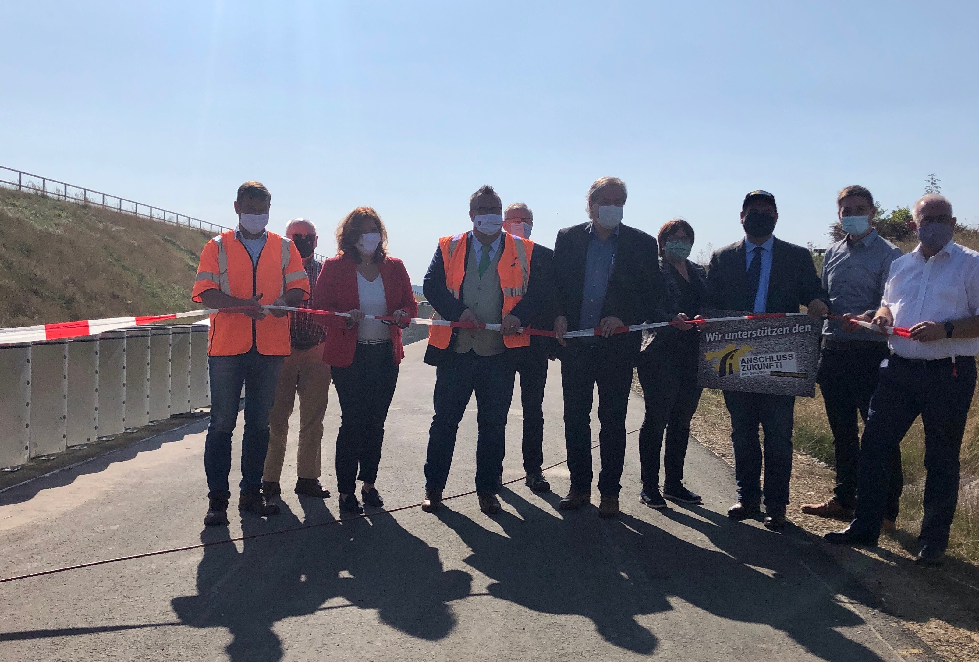 Es geht voran: Ausbau der B8-Kurve bei Weyerbusch fertiggestellt